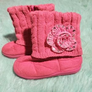 💜 3 for $10💜 Pink super soft cable sweater boots